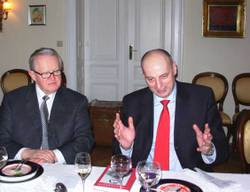 Ahtisaari_with_kosovo_pm_agimceku